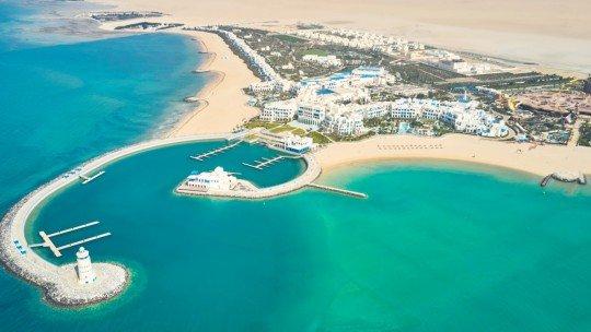 Hilton Salwa Beach Resort & Villas *****