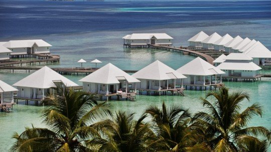 Diamonds Athuruga Maldives *****