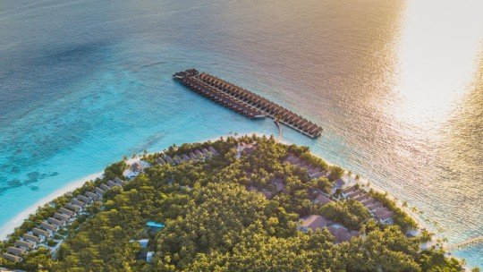 Reethi Faru Resort ****