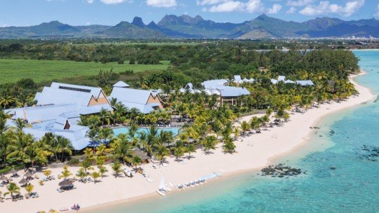 Victoria Beachcomber Resort & Spa ****+