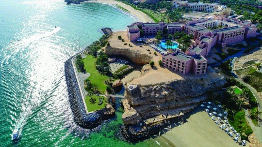 Shangri-La's Barr Al Jissah Resort & Spa Al Husn
