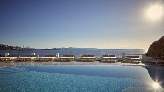 Kouros Hotel & Suites *****