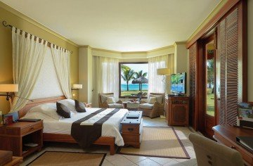 Beachfront Club Junior Suite