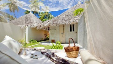 Deluxe Beach Villas with Jacuzzi
