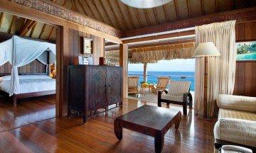 King Deluxe Overwater Villa