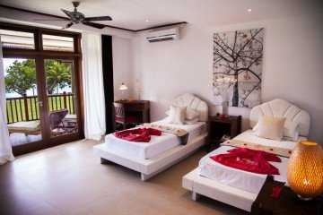 Deluxe Beachfront Room (68 m2)