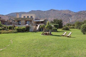 Elounda BeachFront Villa with Heated Pool (250 m²)