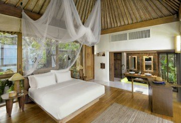 Ocean Front Pool Villas (160 m²)