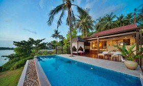 Seafront Pool Villa