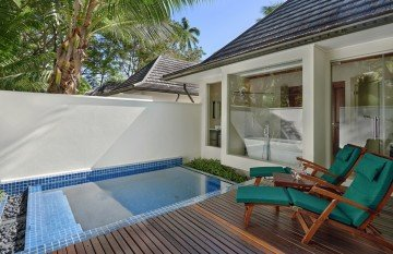 Beachfront villa with plunge pool