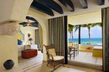 Romance Ocean Front Lover Suite (120 m²)