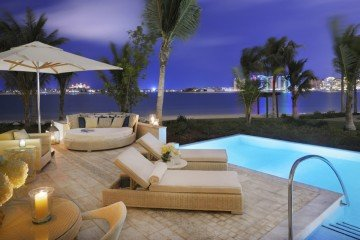 Palm Beach Junior Suite with Pool (100 m2 + bazén o 20 m2)