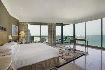King Corner Alcove Suite Sea View