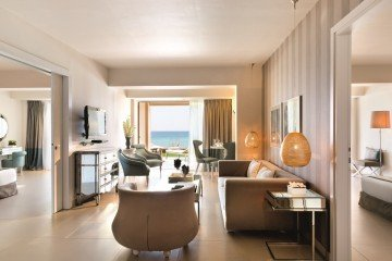 Two Bedroom Family Suite Beach Front