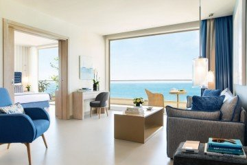 Deluxe Two Bedroom Family Suite Sea View