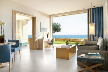 Deluxe Two Bedroom Family Suite Private Garden Sea View