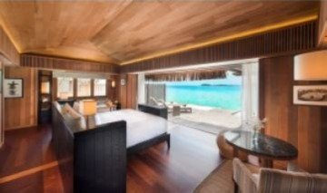 King Lagoon View Suite (90m2)