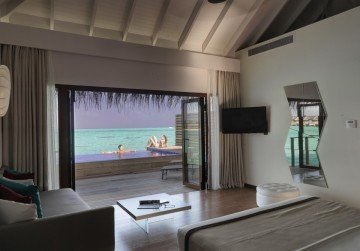 Lagoon Suite with Pool (90 m²)