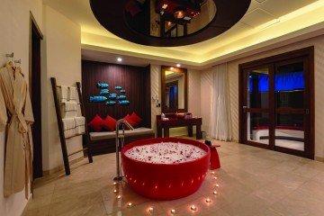 Honeymoon Water Suite with Pool