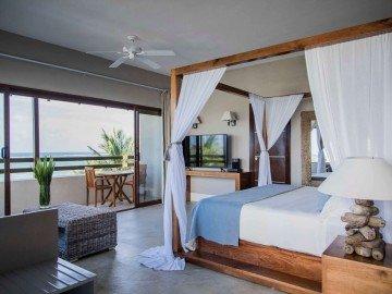 Honeymoon Suites
