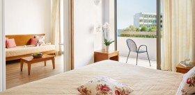 Premier Family Room Side Sea View (37 m²)