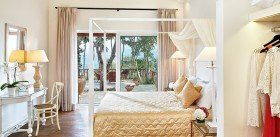 Dream Villa Two Bedroom private Garden Sea View (85 m²)