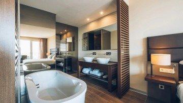 Sea-View Senior Suite