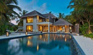 Beach Residence wtih Pool (3 bedrooms)