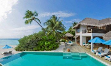 Beach Residence with Pool (2 bedrooms)