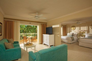 Preferred Club Junior Suite Tropical or Pool View