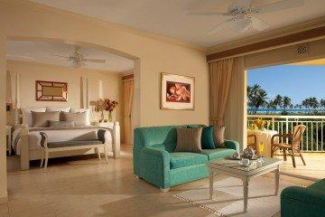 Preferred Club Honeymoon Suite Tropical or Pool View