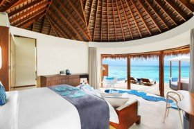 Spectacular Overwater Villa (146 m2, max. kapacita 3 dospelé osoby)