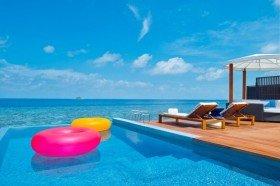 Fabulous Over Water Villa (146 m2, max. kapacita 3 dospělé osoby)