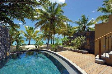 Beachfront Senior Pool Suite - Family ****