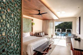 Swim-out Family Master Suites