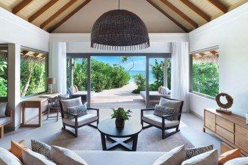 Deluxe Beach Pool Retreat (241 m2)