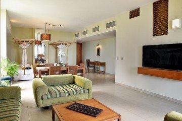 Family Room (117 m²)