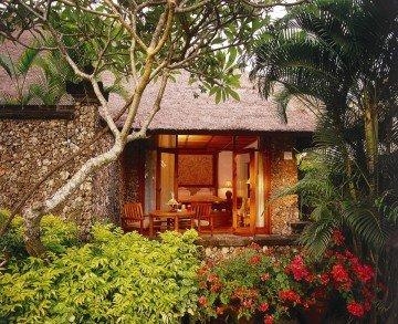 Luxury Lanai Room Partial Ocean View (55 m²)