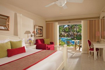 Preferred Club Deluxe Tropical View Family Room
