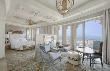 King Deluxe Room with Sea View and Balcony
