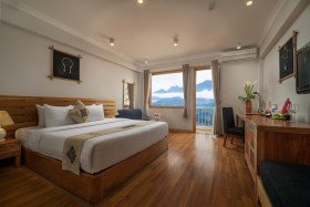 Deluxe Room with Mountain view