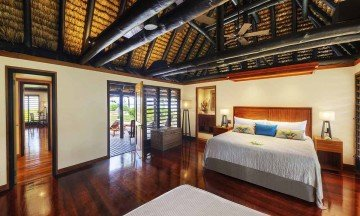 Deluxe Oceanfront Two-Bedroom Suite Bure