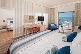 V Level Deluxe Villa with Terrace Seaside