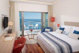 V Level Superior Junior Suite with Balcony Spectacular Sea View
