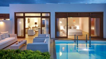 Junior Presidential Villa Sea Front with Private Heated Pool