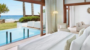 Grand Beach Residence Sea Front with Private Heated Pools