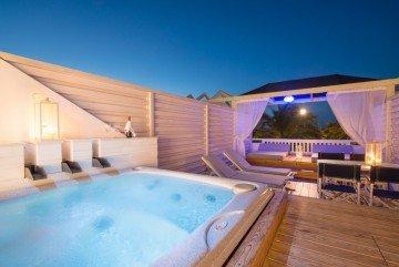 Jacuzzi SPA Bath Outdoor Deluxe Suite Sea View