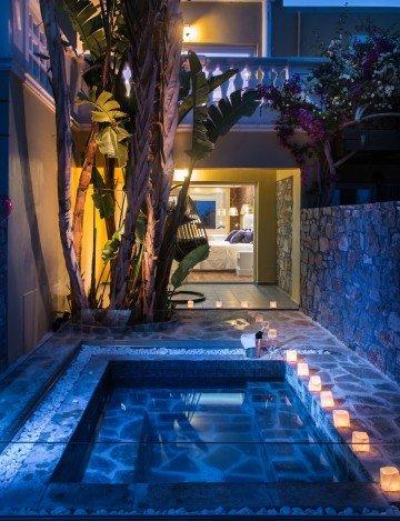 Beachfront Suite Outdoor Jacuzzi SPA Bath