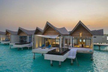 Overwater Pool Villa Ocean (140 m2)