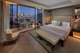 Club Deluxe Skyline View Room